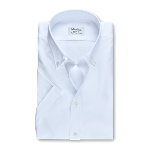 White Fitted Body Oxford Shirt. Short Sleeves